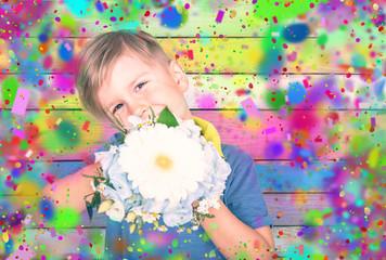 kleiner junge mit Blumenstrauß