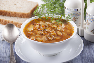 Soup of white bean  , bread and spices