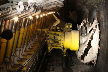 Longwall mining method - coal mine in Poland