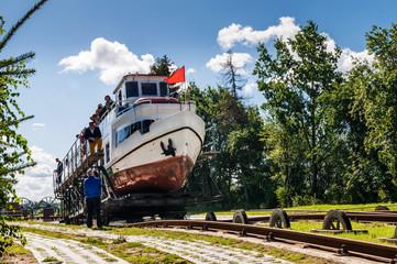 Bootsfahrt auf dem Oberlandkanal bei Elblag; Masuren; Polen