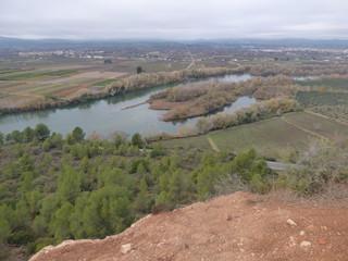 Paisaje de Tivisa desde Poblado Ibérico del Castellet de Banyoles, en la Ribera de Ebro (Tarragona,España)