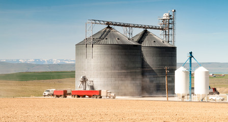 Silo Grain Elevator Food Storage Agriculture Industry Truck Transportation