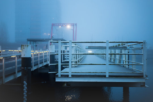 Bootsanleger in Kiel an der Hörnbrücke