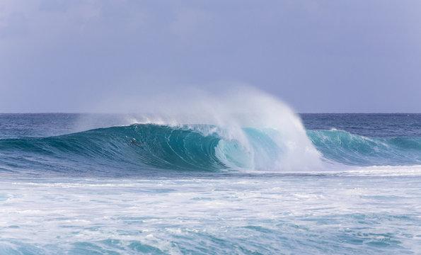 The waves of Banzai Pipeline, Hawaii