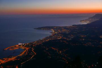 crépuscule sur la côte d'azur