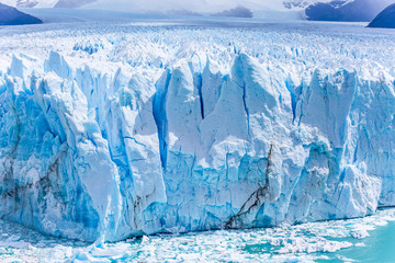 Argentinien, Santa Cruz, Lago Argentino, Die Abbruchkante des Perito Moreno Gletschers mit einer Höhe von 55-77m