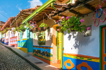 Foto op Aluminium Zuid-Amerika land the colorful colonial houses of Guatape