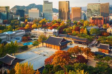 Foto op Aluminium Seoel Autumn of Deoksugung royal palace