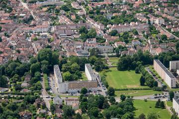 Vue aérienne du centre de Vernouillet dans les Yvelines en France