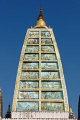 Das Leben Buddhas auf der Plattform der Shwedagon-Pagode in Yangon