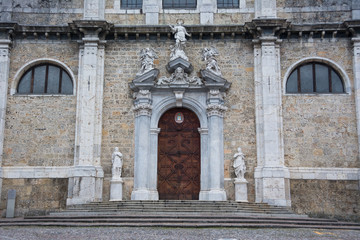 Basilica di Santa Maria Assunta in Gandino (BG) , portale di ingresso
