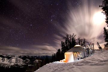 Foto op Plexiglas Noorderlicht Backcountry Yurt
