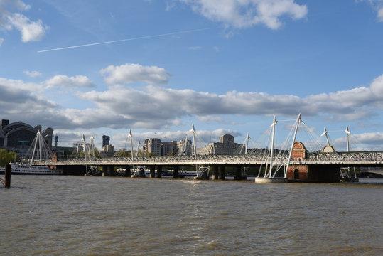 albertbrücke über themse in london