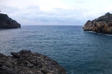 Deyá /Deia pueblo de las Islas Baleares en  la Sierra de Tramontana en la isla de Mallorca. Limita con los municipios de Valldemosa, Sóller y Buñola