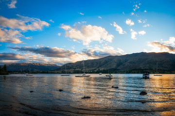 Golden hour at Wanaka Lake in New Zealand