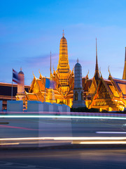 Wall Mural - Bangkok iconic Wat Phra Kaew at night.