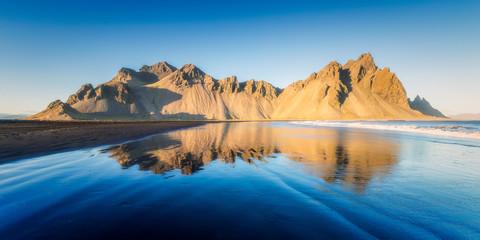riflesso mare islanda montagna blu giallo cielo oceano mare deserto vulcano