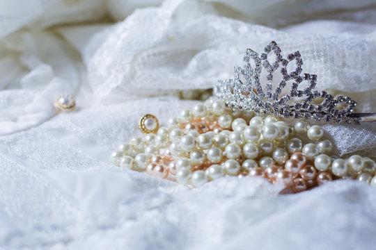 Silver tiara wedding crown decor image