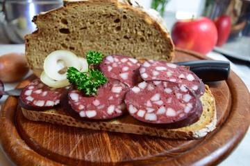 Brot mit Blutwurst