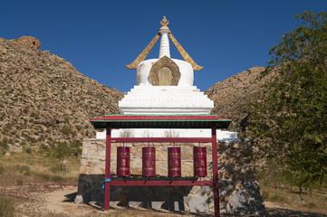 Stupa in einem Kloster in der Mongolei