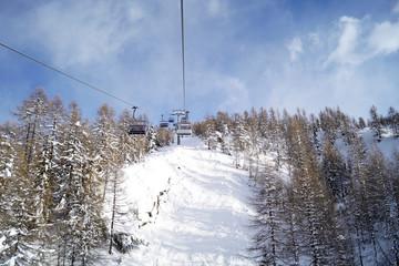 Panorama con vista seggiovia Cima Motta presso Alpe Palù Italia