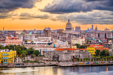 Photo sur Plexiglas La Havane Havana, Cuba downtown skyline.