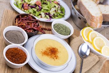 Mercimek Çorbası ve Salata