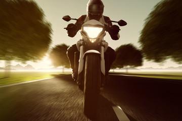 Fototapete - Motorrad fährt auf Allee