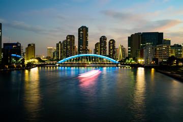 永代橋とリバーシティーの夕景