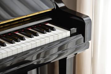 piano, close up