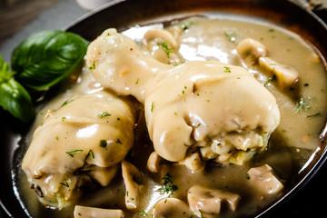 Chicken legs with mushroom sauce