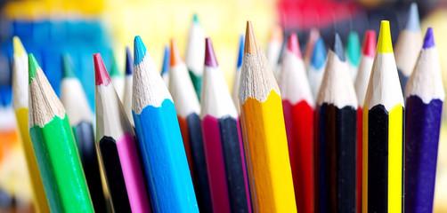 Buntstifte Close-up, viele Farbstifte