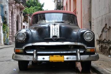 Coche en la Habana Vieja