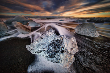 Black beach icebergs