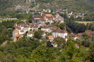 Rural village of Calvignac on a hilltop in the Lot Valley, The Lot, Midi-Pyrenees, France, Europe