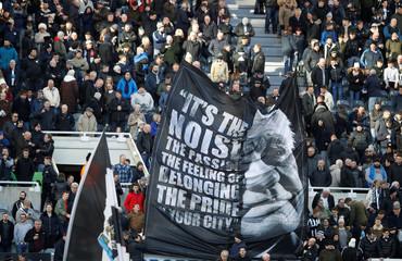 Premier League - Newcastle United vs Manchester United
