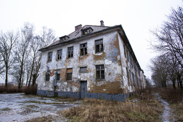 old neglected and abandoned house Wall mural