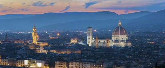 Wall Mural - Skyline of Historical city Florence, Tuscany, Italy at dusk