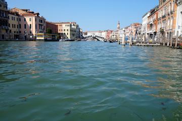 イタリア ベネチア ゴンドラから見る街並み Itary Venice A view from the gondola