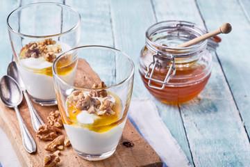 Two tasty natural desserts with Greek yogurt