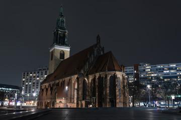 Marienkirchen bei Nacht, nachts, Berlin