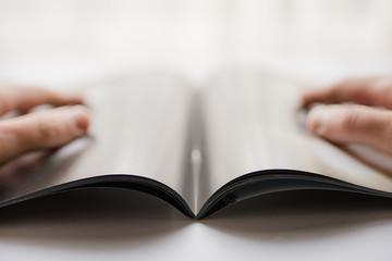窓辺で読書