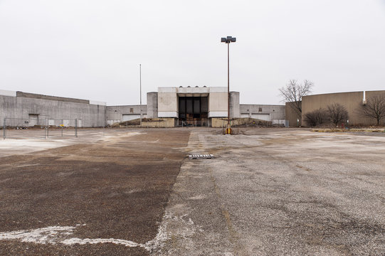 Abandoned Randall Park Mall - Randall Park / Cleveland, Ohio