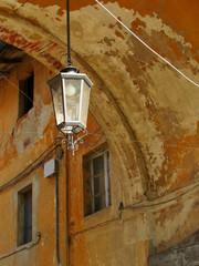 Lampione vintage nel centro della città