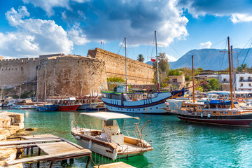 Keuken foto achterwand Cyprus Kyrenia harbour overlooked by the castle. Kyrenia, Cyprus