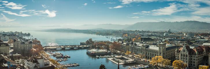 Historic Zurich along the Limmat river and Zürichsee, Switzerland. Historisches Zürich entlang der Limmat und Zürichsee, die Schweiz.