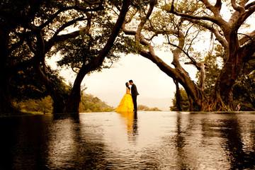 lakeside wedding dawn