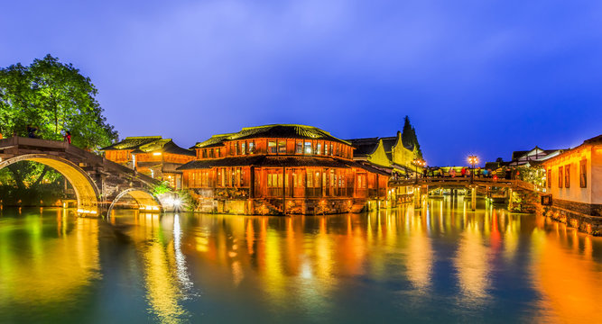 Wuzhen's beautiful rivers and ancient architectural night scenes