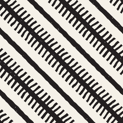 Hand drawn style seamless pattern. Abstract geometric tiling background in black and white. Vector doodle line lattice