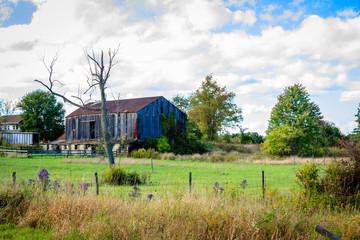 An old barn in the autumn sun. Hartville, Ohio, October 2016.